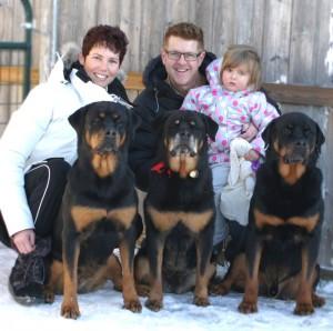 Maplemor Rottweilers - Debbie, Wes & Bryanna